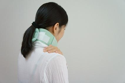 むち打ちは頭痛やめまいを引き起こすこともあります
